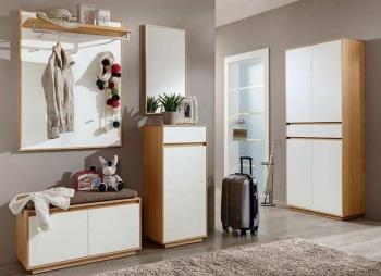 Garderobe V100